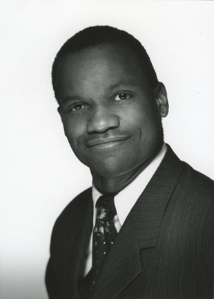 Photo of the conductor Anthony Cofield